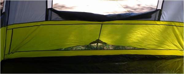Such ventilation openings close to the floor you have on both sides of the tent.
