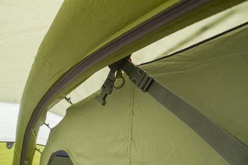 The TBS system for stability. You also see how the inner tent is attached to the external shell.
