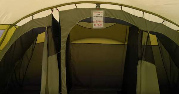 The two inner separated tents - on the left is a 2-person tent and on the right the tent with a divider which offers two sleeping units for 2 people each.