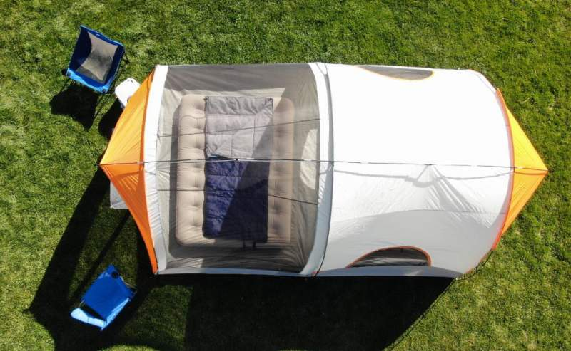 Top view showing the tent's tunnel-structure.