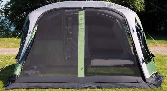 The huge double-size door on the front is double-layer with a full size mesh.